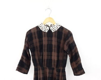 VINTAGE 1940s Black Brown Plaid Dress Crochet Collar