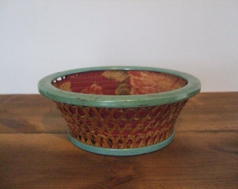 Vintage Fabric Lined Sewing Basket