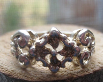 Vintage Sterling Silver Cast Ring Womens Ladies Size 8 3/4 Unique Traditional Design