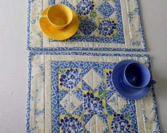 Quilted Placemats, Blue and Yellow Placemants, Place Mats, Fabric Placemats, Cottage Chic, Table Linens, Kitchen Table, Hydrangeas