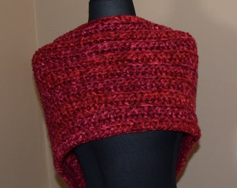 Red and Pink Crochet Cowl