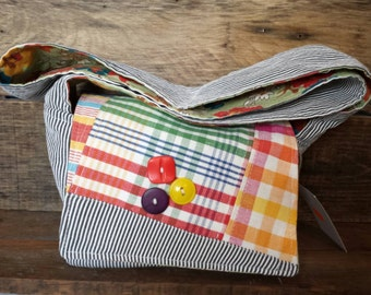 Small messenger bag with vintage fabrics