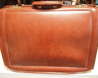 Vintage 1980's men's large leather briefcase