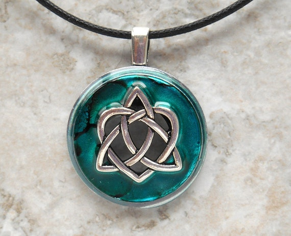Celtic Necklace Tattoo Celtic Sister Knot Necklace