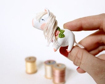 Little Pony Brooch, Paper Clay, Miniature, Horse, Flower Garland
