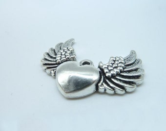 8pcs 27x36mm Antique Silver  Lovely Flying Heart With Wings Charms Pendant B220