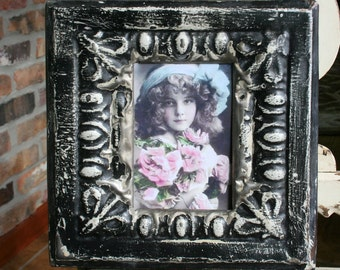 Antique Ceiling Tin Picture Frame --  4 x 6 -- Black Paint with Egg and Dart Design