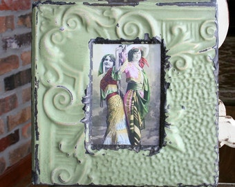 Antique Ceiling Tin Picture Frame --  4 x 6 -- Light Green Paint with Tan Accents -- Pretty
