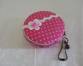 8cm/ Macaroon Coin Purse/ Jewlery Case/ Pink Polka Dots