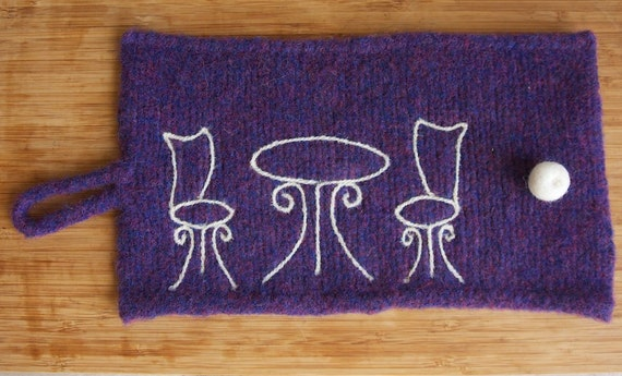 Lynn's Lids handmade French press cozy in purple with bistro
