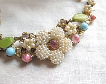 Vintage Pastel Pearl Flower Necklace