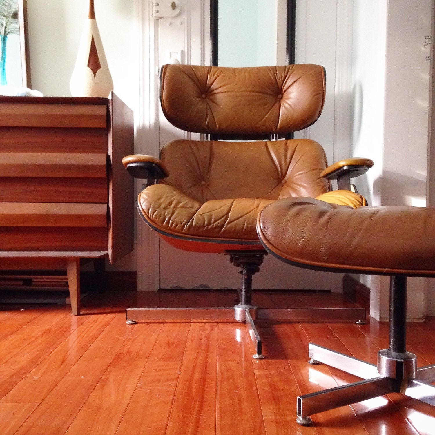 Mid Century Modern Brown Leather Lounge Chair and Ottoman by