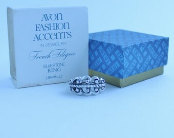 SALE 40 Percent Off Vintage 1977 Signed Avon French Filigree Sz SMALL Silver Tone Rope Twist Adjustable 4.5 to 5.5 Ring in Original Box NIB