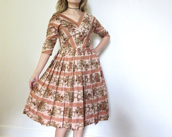 50's Vintage Floral Taffeta Party Dress full skirt