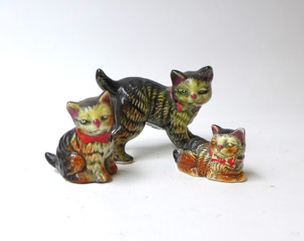 Vintage collectable kitsch 1950s Japanese ugly street tabby cat and kitten porcelain figurines