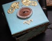 Creepy  Marie Antoinnette  Jewelry box-