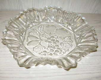 "Federal Glass Co. Pioneer 11"" Crimped Round Bowl Intaglio Fruit Design 1940-Discontinue"