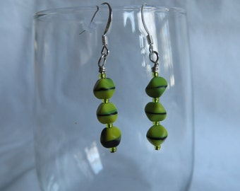 Green Dangle Earrings, earrings, dangle, green