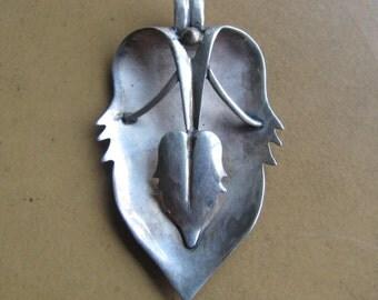 Art Nouveau Sterling Pendant Leaf Design