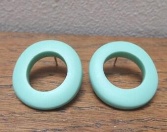 Resin 'wobble hoop' earrings - turquoise