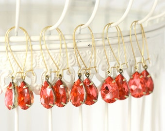 Coral Red - Pinky Coral Bridesmaid Dangle Earrings - Coral Wedding - Red Wedding - Bridesmaid Gift - Bridal Earrings - Vintage Wedding