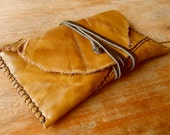HaNDMaDe MuSTaRD LeaTHeR ToBaCCo PouCH #14