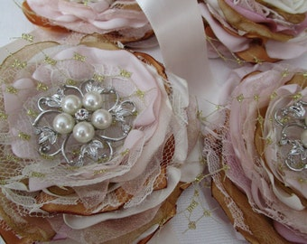 Wedding corsages in blush gold ivory Bridesmaids corsages Bridal flower corsages Bridesmaids Flower corsages accessories
