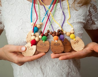 Wooden Owl Mommy Necklace / Teething Necklace for mom to wear  - Kangaroo Care Breastfeeding & Babywearing Necklaces - CHOOSE YOUR COLOR