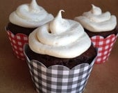 12 Gingham Cupcake Wrappers - Standard Size