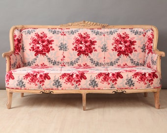 SPRING SALE 10% OFF: Vintage Sofa - red rose