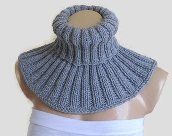 Gray neckwarmer, Men scarf, cozy, soft, unisex, circle, winter fashion, hand-knitted, unique gift
