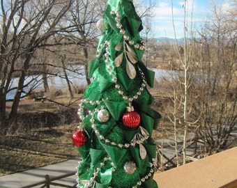 Artificial Christmas Tree, Table Top Tree, Christmas Tree, Minature Tree, Indoor Decoration, Mantle Tree, Frozen, Center Piece Tree