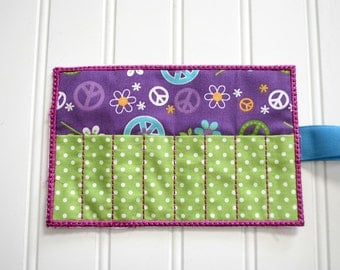 Purple Peace Sign Crayon Roll-8 Count