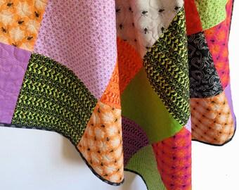 Halloween quilt, wallhanging, crib quilt, pram quilt, playmat, baby blanket, purple green orange