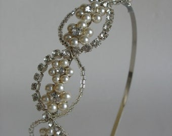 Wedding hair piece. Rhinestone headpiece