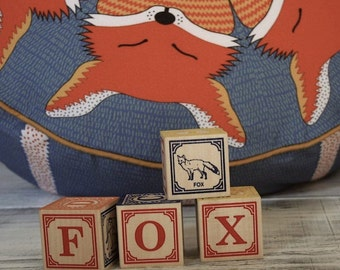 FOX POUFFE BEANBAG in navy blue and orange