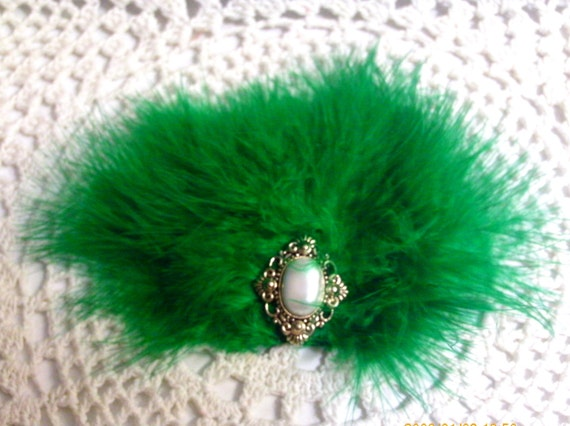 Fluffy Holiday Green Hair Fasicnator