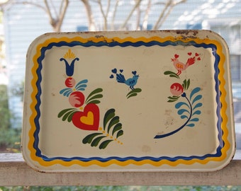 Vintage Serving Trays, Dinner Trays (5), White Tray, Tin Tray, Serving Tray, Cookout Tray, Home Decor, Folk Art, Americana, 5 Tray Set, Prop