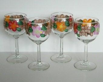 Small Wine Glasses Hawaiian Hibiscus Lauhala Weave Sponged set of 4