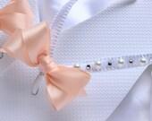 White and Peach ribbon crystal flip flops, Beach wedding shoes, Bridal party wedding flats, Pearl bridal sandals, Peach wedding