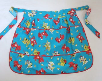 Vintage 50s 60s novelty scottie dog print half apron in turquoise cotton with 3 pockets