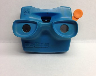 Vintage 3D Viewmaster Blue with orange tab Tyco Made in USA