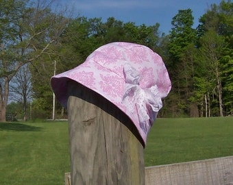 Cloche Hat Women's Chemotherapy Hat in Pink and White, satin lined with lace bow accent, Ready to Ship, Cancer Patient Gift
