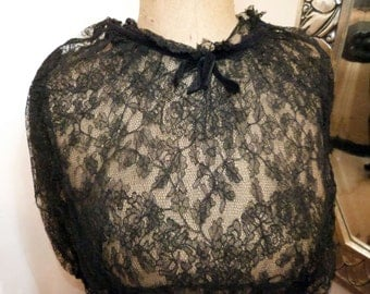 Antique French Victorian lace chemise blouse bodice shirt w handmade lace w lace belt, 1800s victorian steampunk gothic clothing vestment