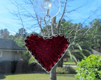 Scarlet Red Granite Glass Mini Heart with Twisted Wire Hanger & Decorative Scalloped Foil Border