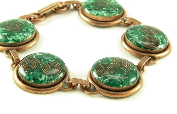 Orgone Energy Circle Link Bracelet in Copper with Malachite - Artisan Jewelry - Orgone Energy Jewelry