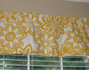 "Big Bloom Yellow Flower Valance 50"" wide x 16"" long Lined or Unlined Corn Yellow and White"