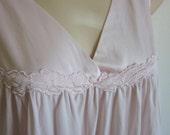 Vintage nightgown Vanity Fair pale pink nylon free bust lingerie L large XL