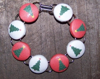 Red and White Christmas Tree Button Bracelet