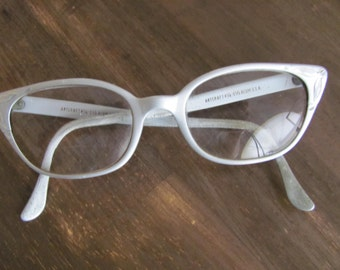 Vintage ARTCRAFT Aluminum1950's Cats Eye Glasses